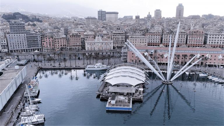 Il porto antico di genova visto dal drone