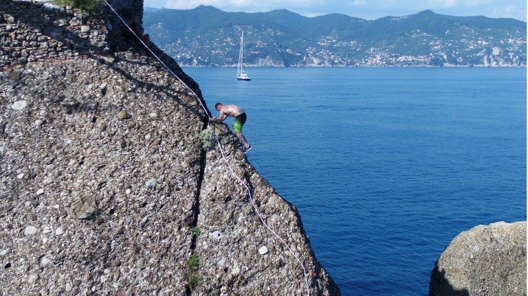 Red Bull cliff diving portofino dal drone